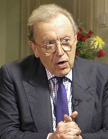 Sir David Frost durant une interview avec Donald Rumsfeld.