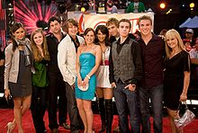 ETalk2008-Degrassi Cast.jpg