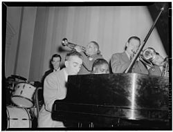 Art Hodes, Henry Allen, Pete Johnson, Lou McGarity, and Lester Young, National Press Club, Washington, D.C., ca. 1940 (William P. Gottlieb 03601).jpg
