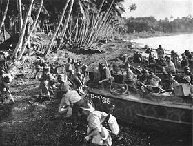 30 New Zealand division troops pour ashore on Vella Lavella.jpg