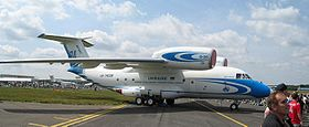 AN-72-Farnborough2004-4.jpg