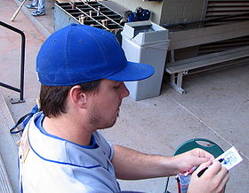 Andy laroche signs autograph.jpg