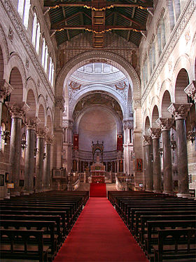 Image illustrative de l'article Basilique Saint-Martin de Tours
