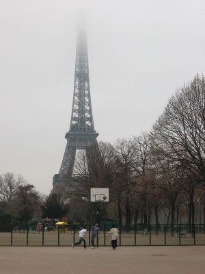Street basketball Paris.jpg