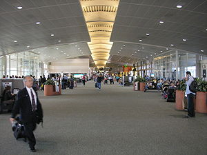 Tampa-international-airport-interior.jpg
