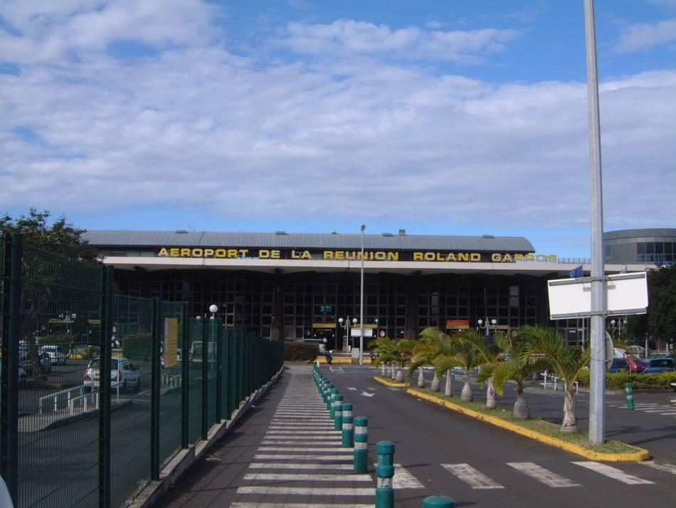 Aeroport de la reunion roland garros for Chambre a coucher yakut