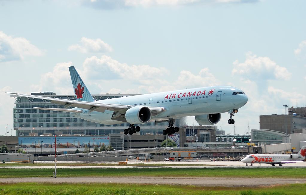 Air Canada lancera à partir du 4 juin 2015 deux nouvelles liaisons transatlantiques, Air_Canada_Boeing_777-333ER_YUL_2009