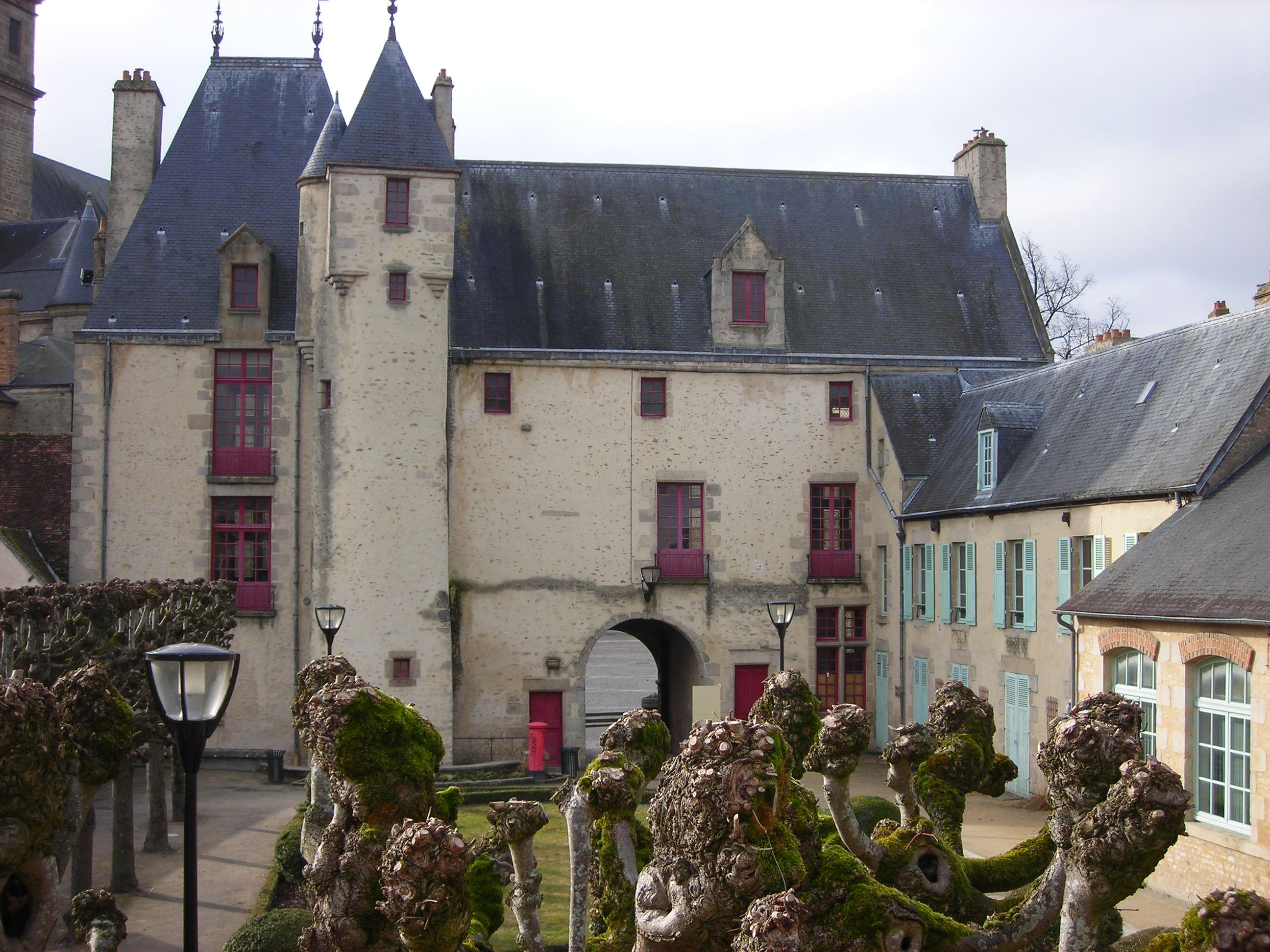 Liste des monuments historiques d 39 alen on for Maison france confort alencon