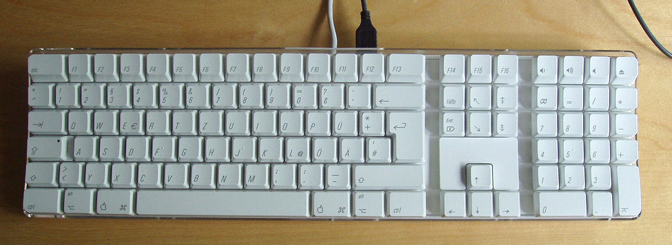 http://fr.academic.ru/pictures/frwiki/65/Apple_Pro_Keyboard_(open_top).jpg