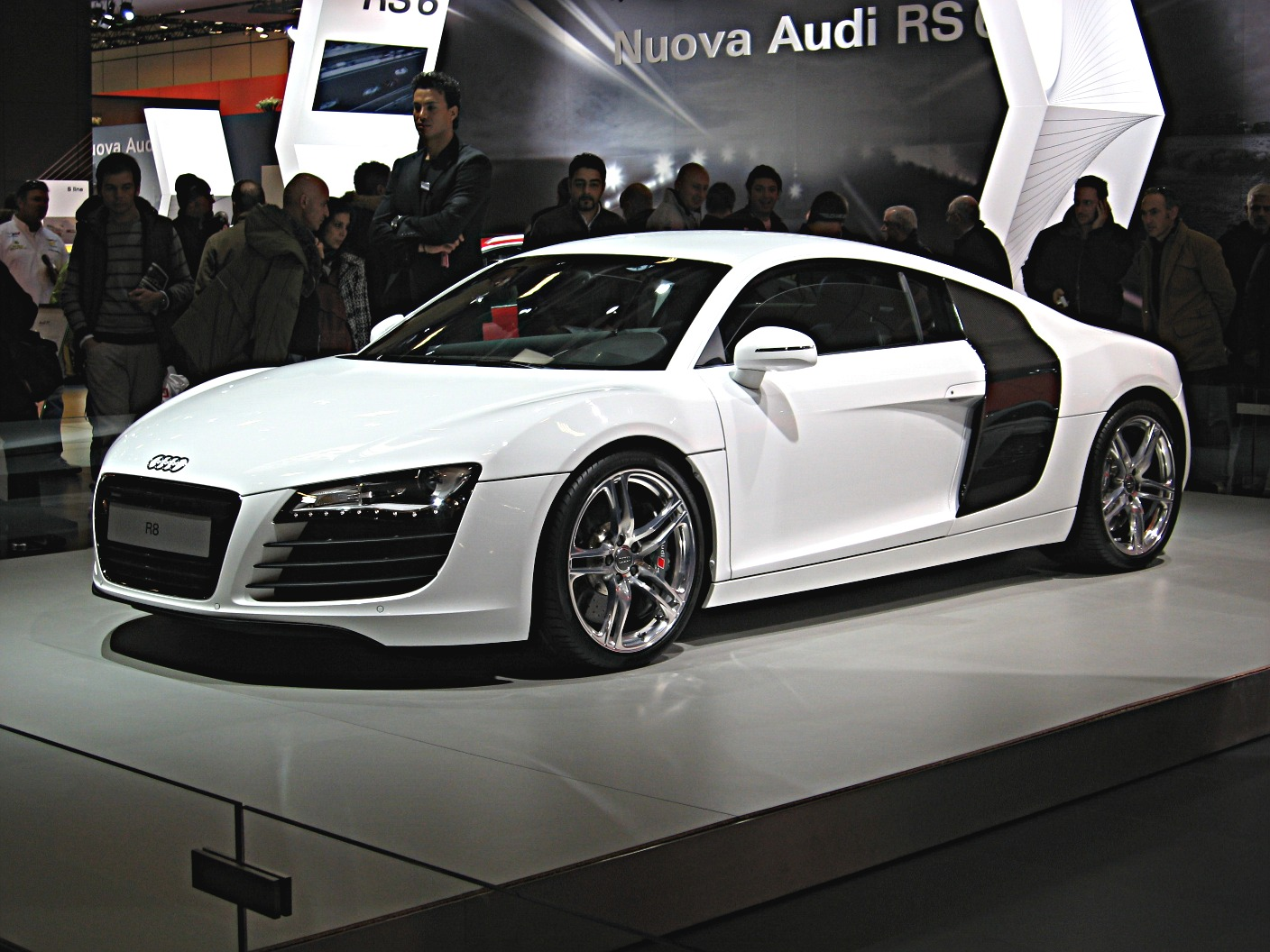 audi r8 voiture de route. Black Bedroom Furniture Sets. Home Design Ideas