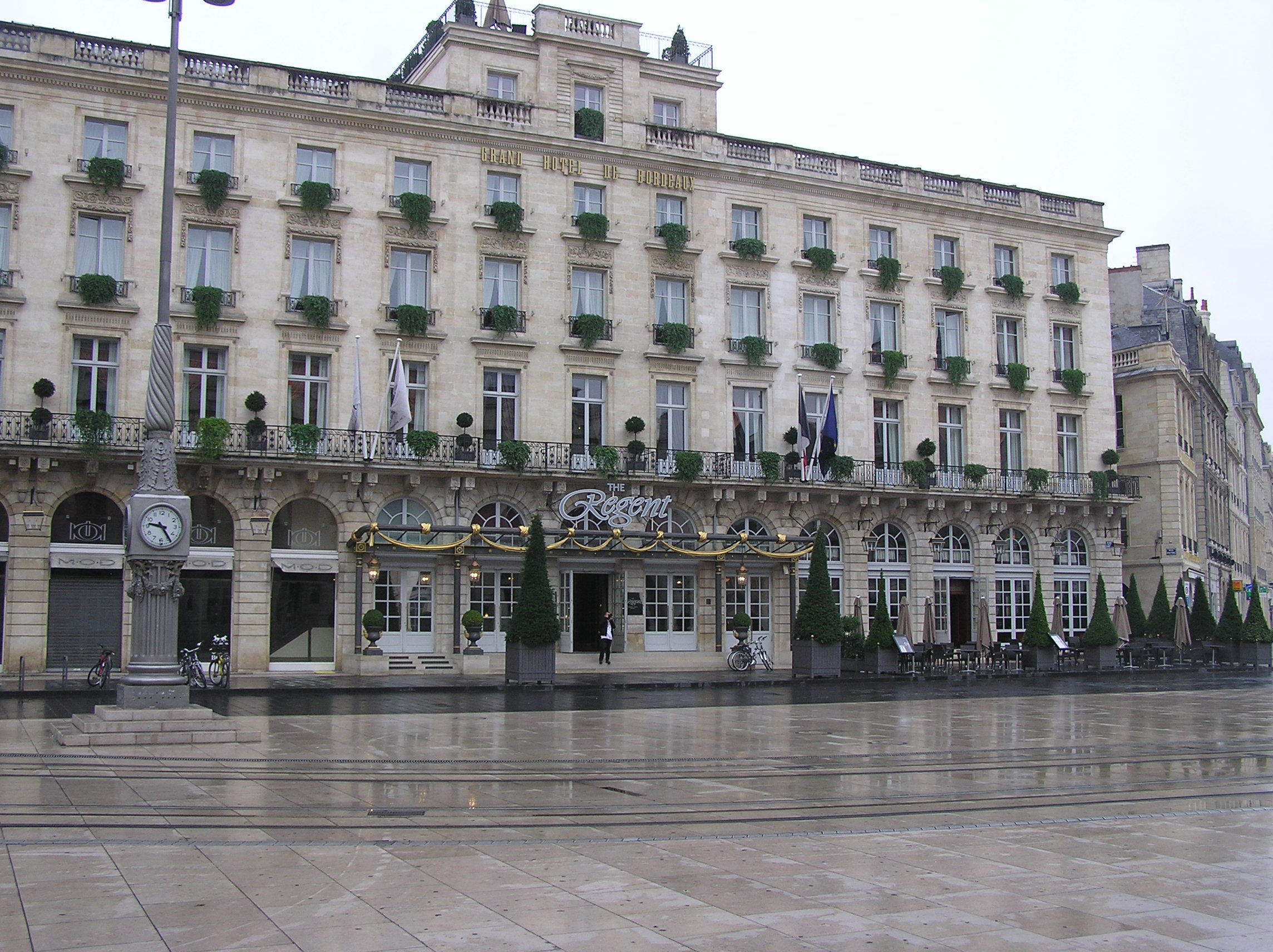 http://fr.academic.ru/pictures/frwiki/66/Bordeaux_The_Regent_Grand_Hotel_Bordeaux.JPG