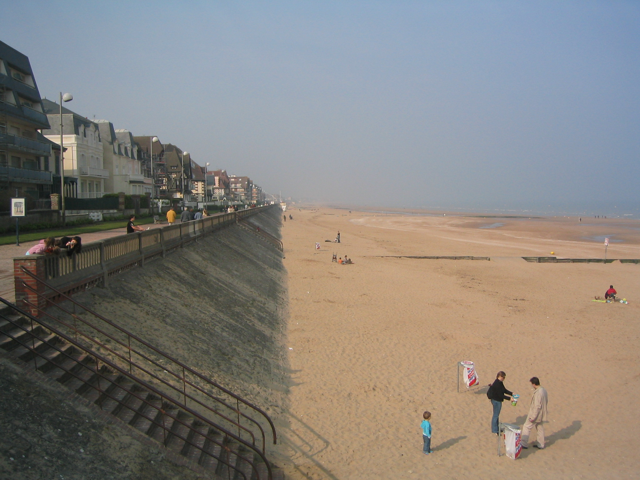 Cabourg France  City new picture : Plage de Cabourg