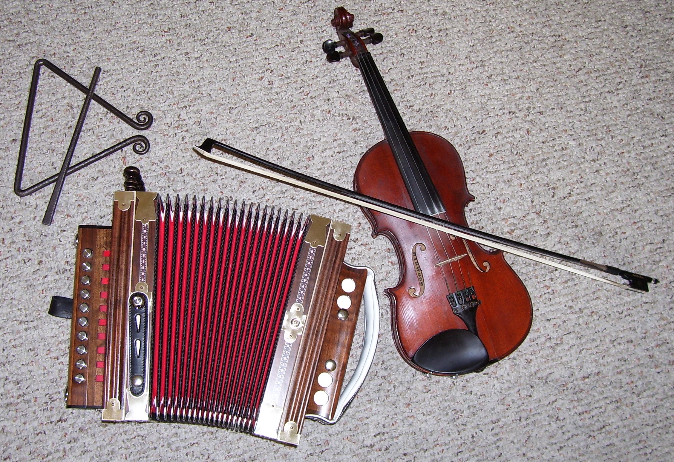 http://fr.academic.ru/pictures/frwiki/67/Cajun_instruments.jpg