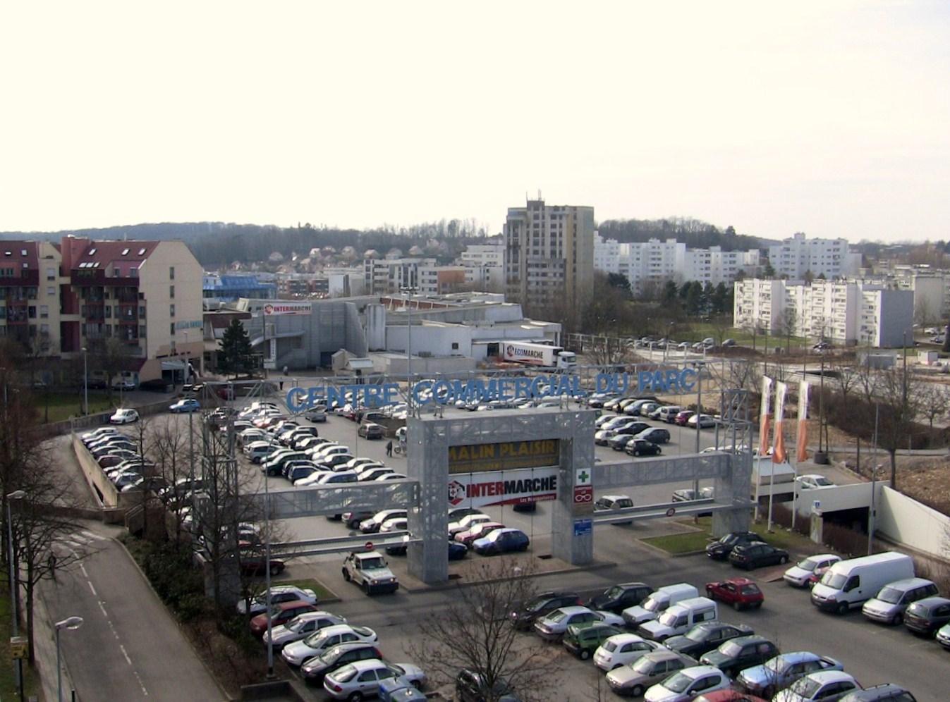 Planoise - Centre commercial chateaufarine ...