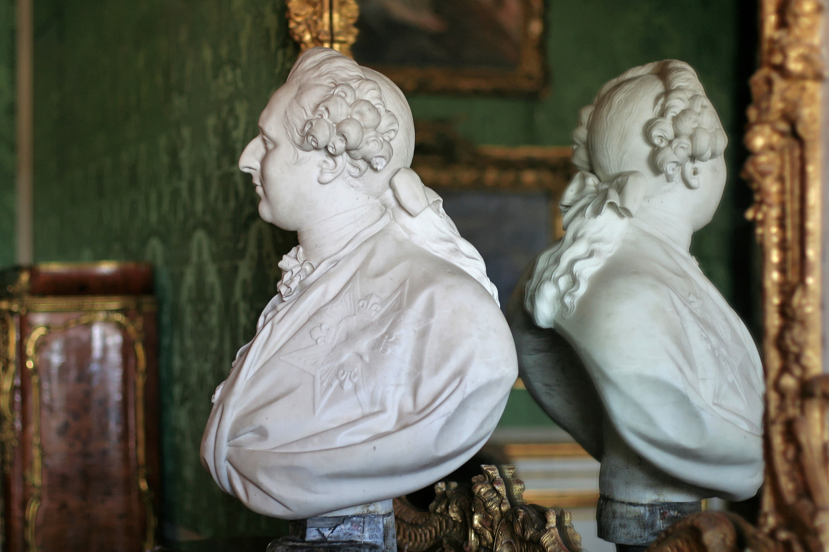 Louis xvi de france for Chambre louis xvi versailles