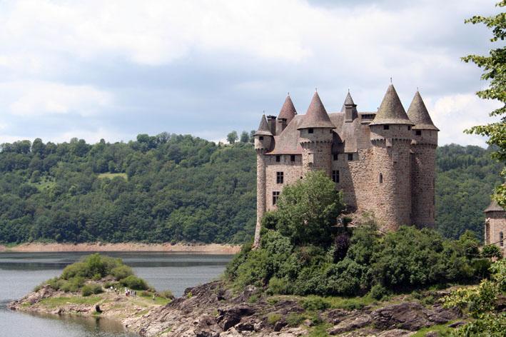 Au fil de la Dordogne Chateau_de_val