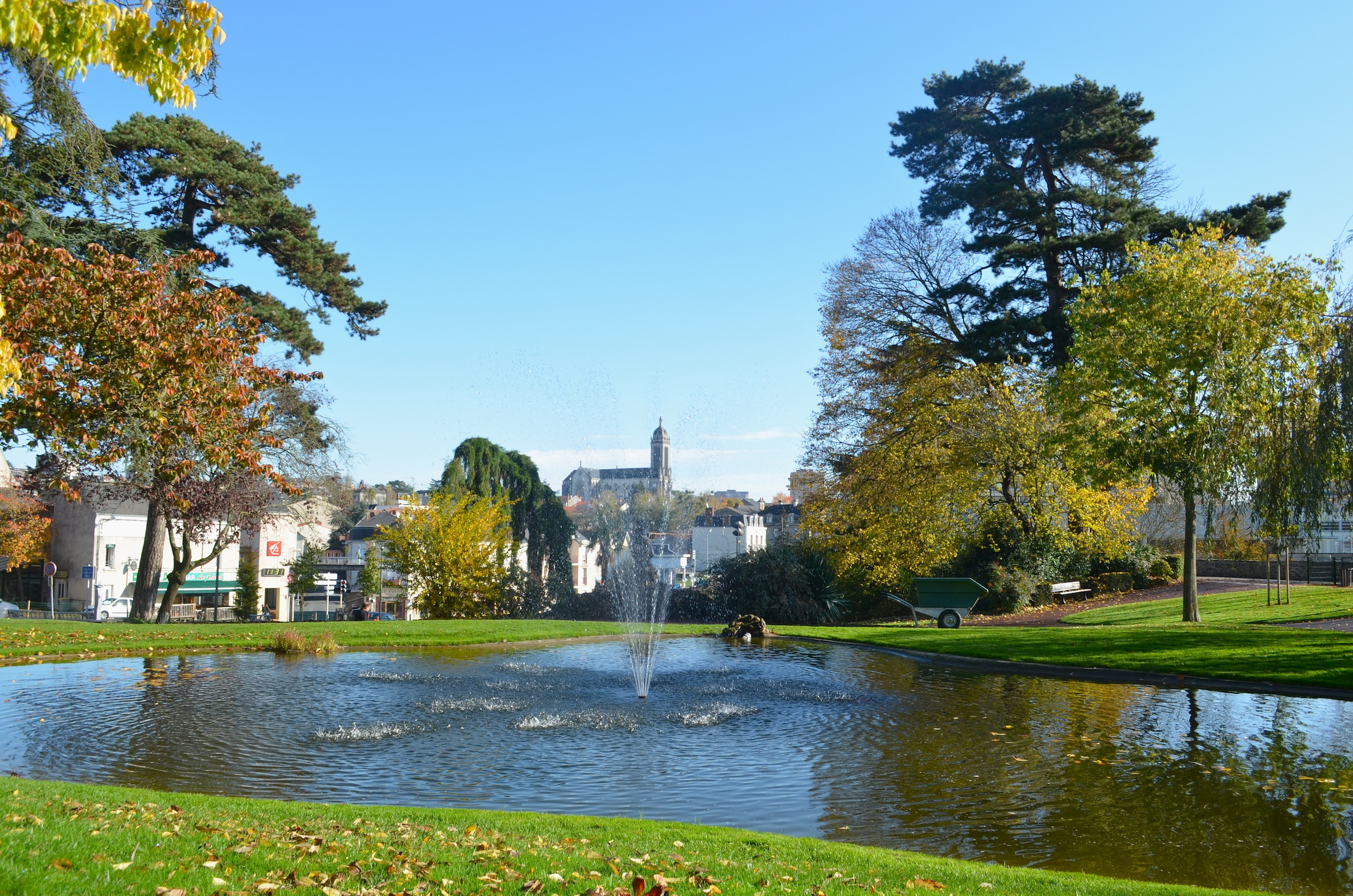 Cholet france pictures and videos and news for Lieux touristiques france