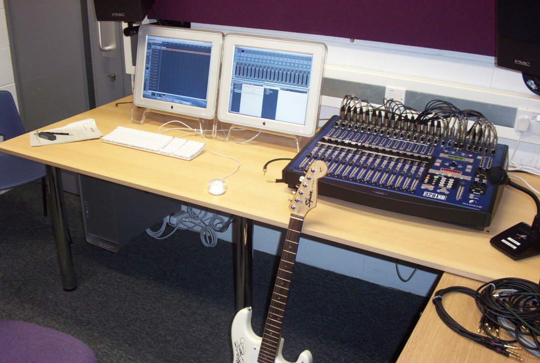 Studios d 39 enregistrement for Construire un studio de musique