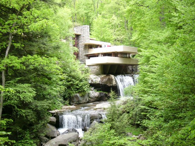 La maison de la cascade de frank lloyd wright