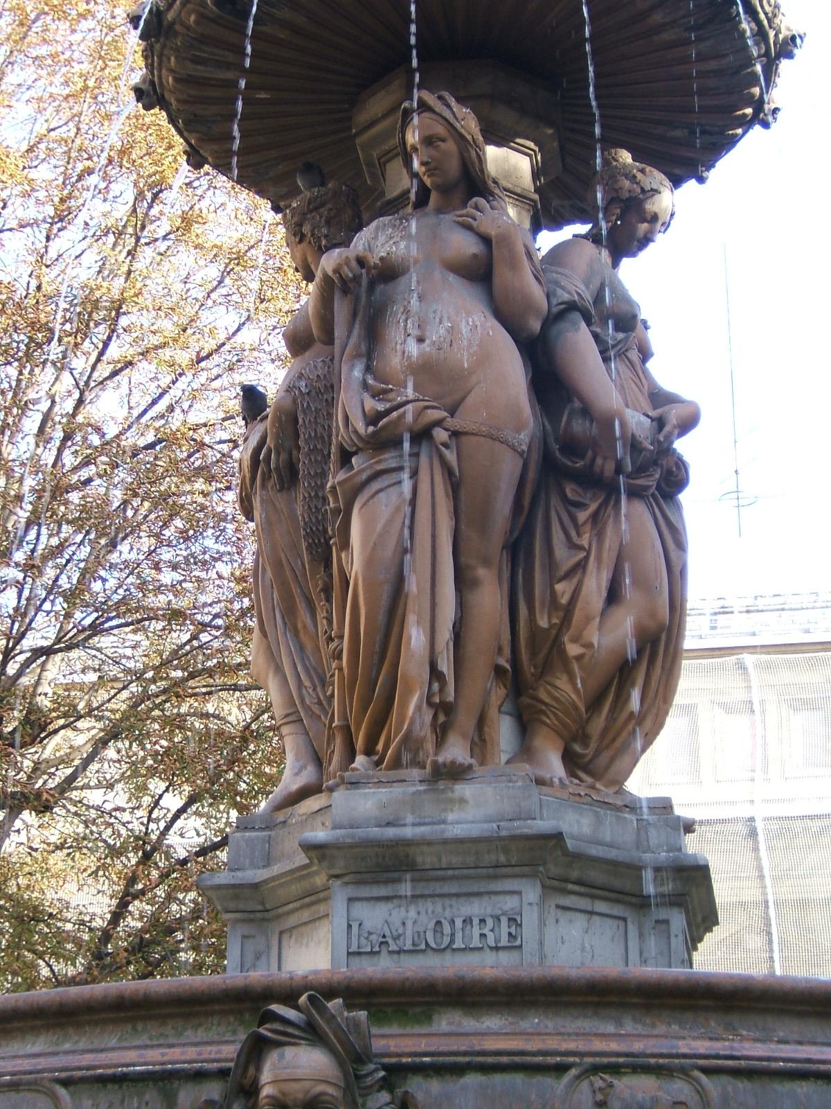 Fontaine louvois - Dauphin fonte 80 ...