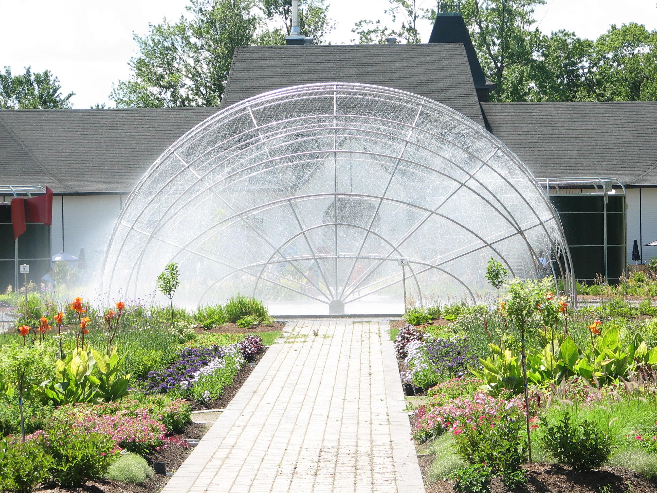 Jardin zoologique de qu bec for Construire une fontaine de jardin