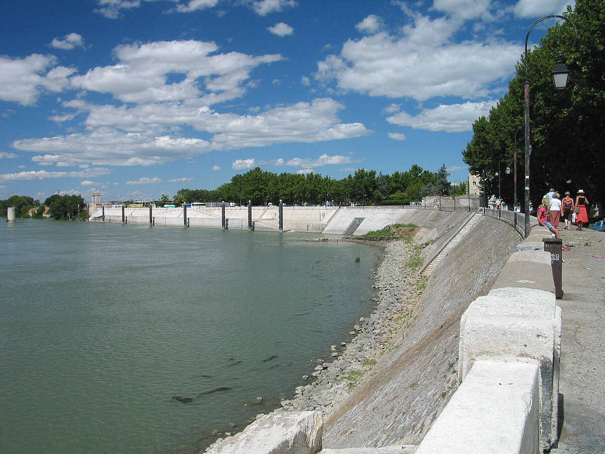 Arles for Piscine quai du rhone