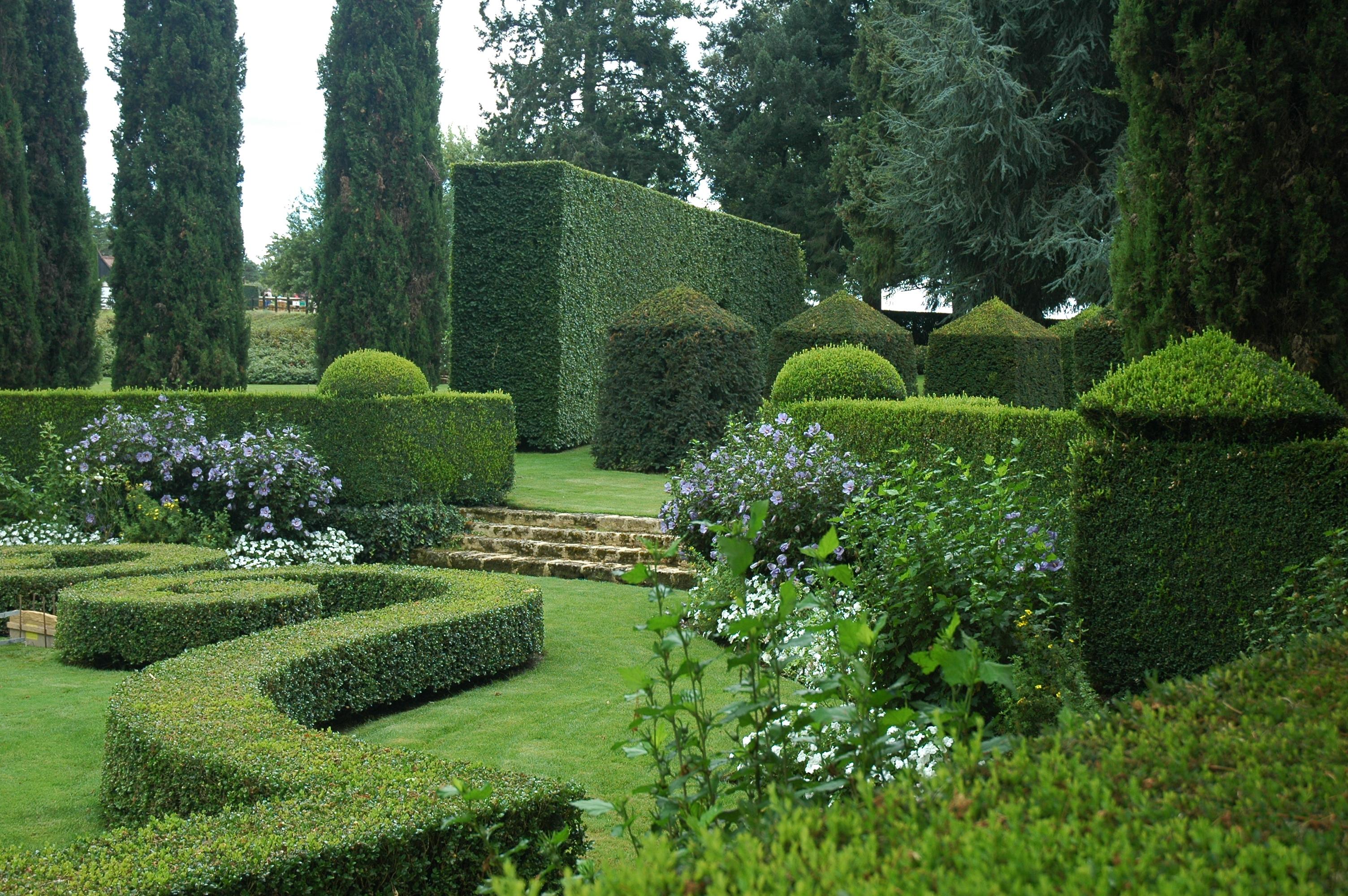 Manoir eyrignac - Jardin topiaire ...