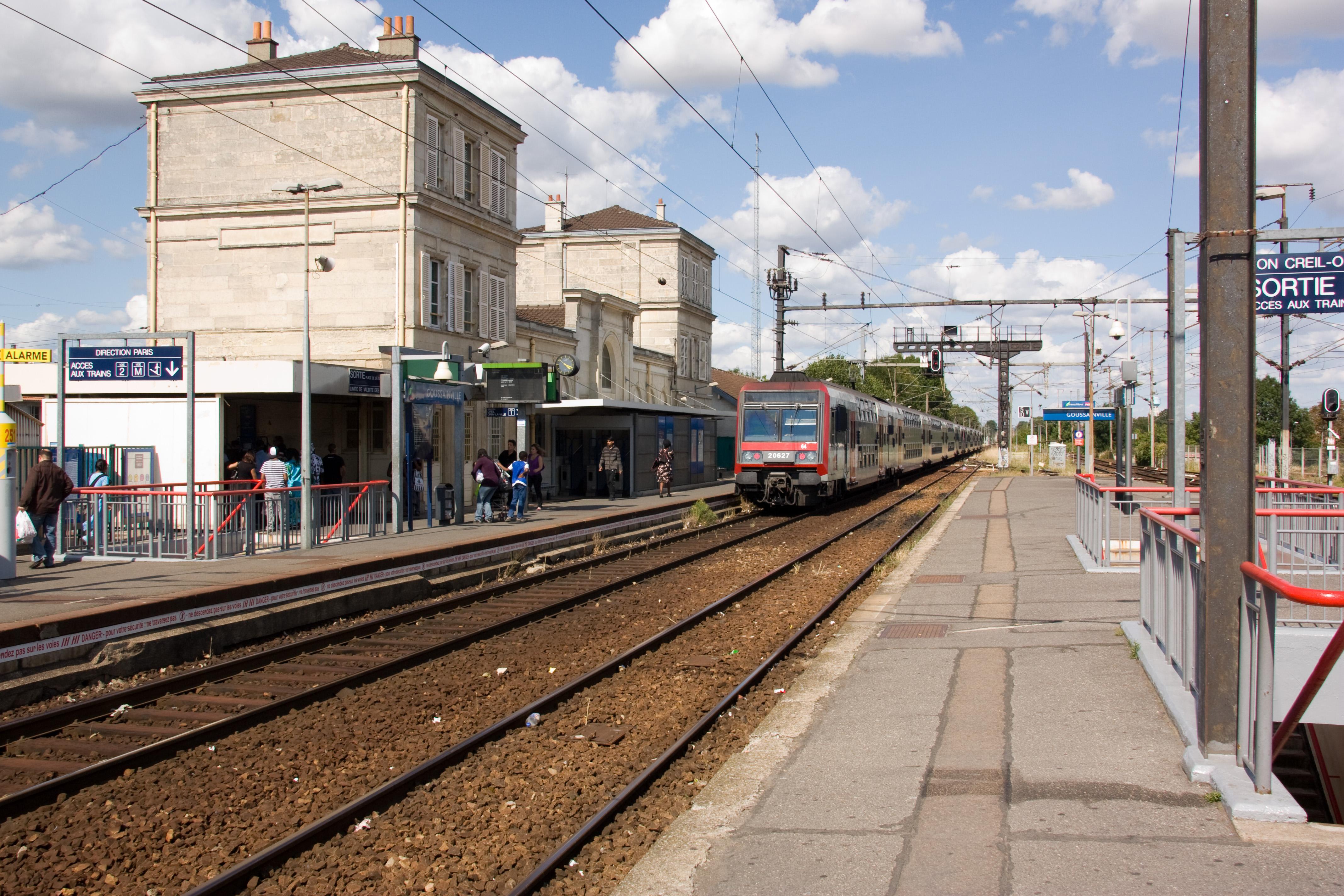 Gare de goussainville for Piscine de goussainville