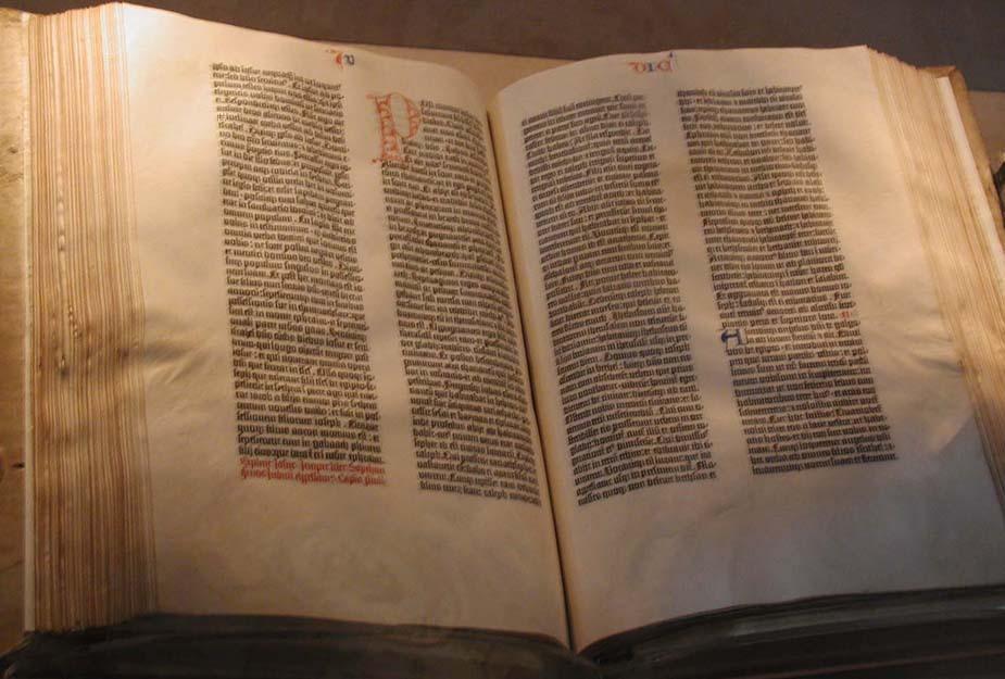 http://fr.academic.ru/pictures/frwiki/71/Gutenberg_Bible.jpg