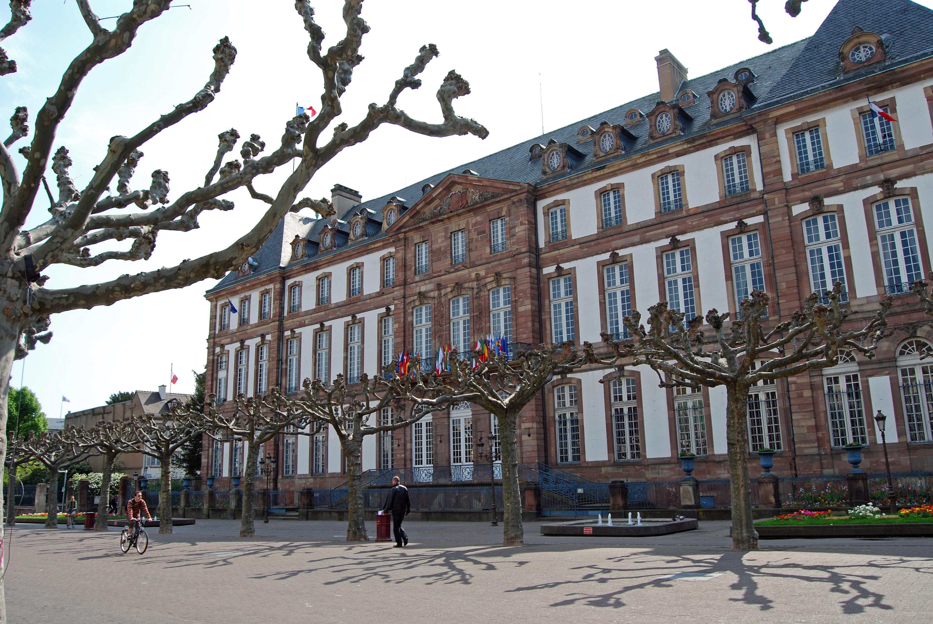 Place broglie for Piscine de strasbourg