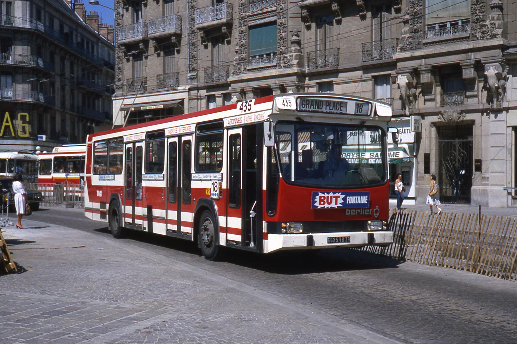 Renault pr 100 - Bus grenoble lyon ...