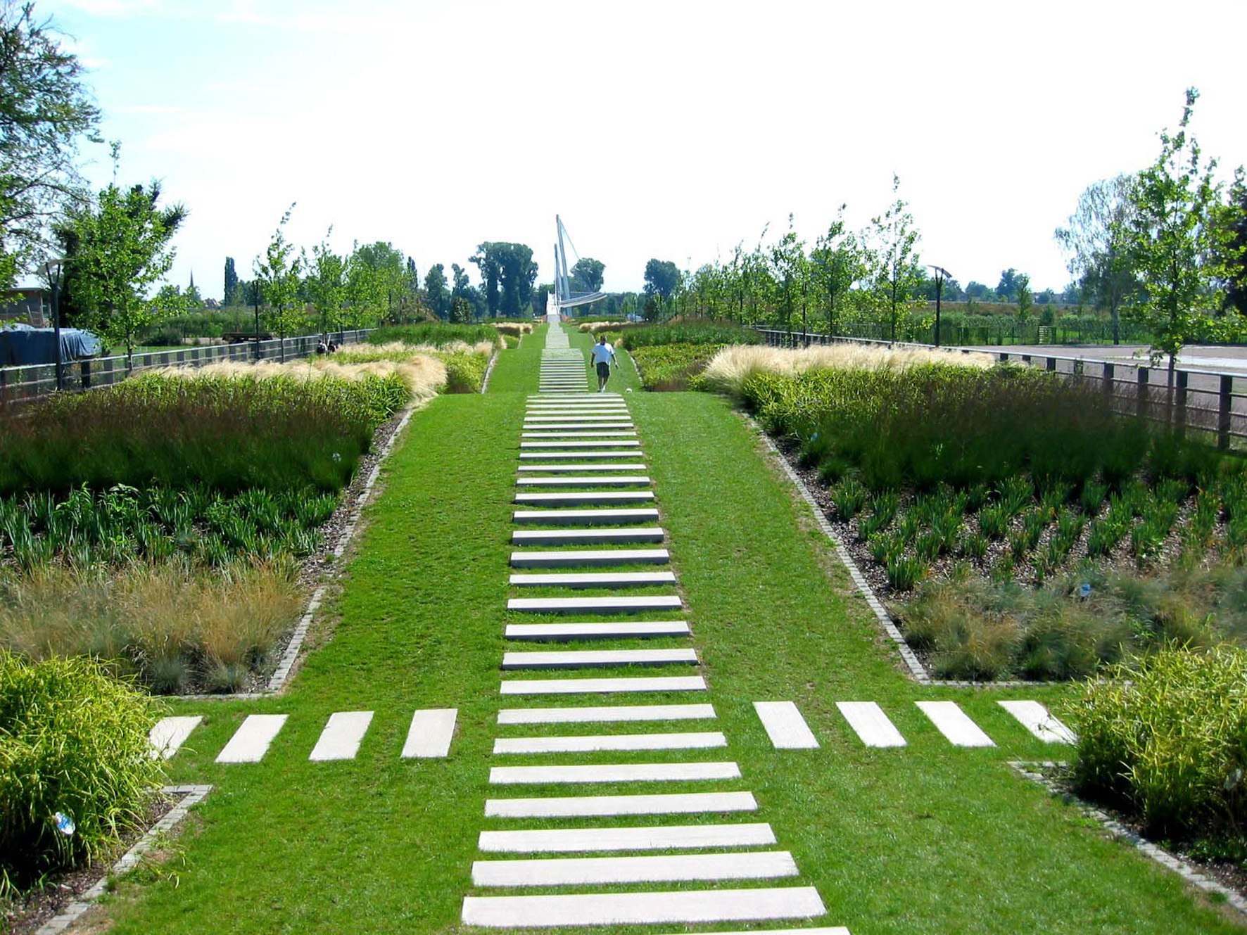 Jardin des deux rives for A jardin