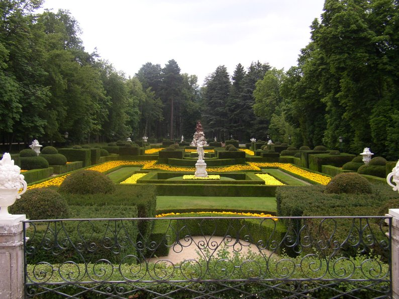 Palais royal de la granja de san ildefonso for Jardines granja de san ildefonso