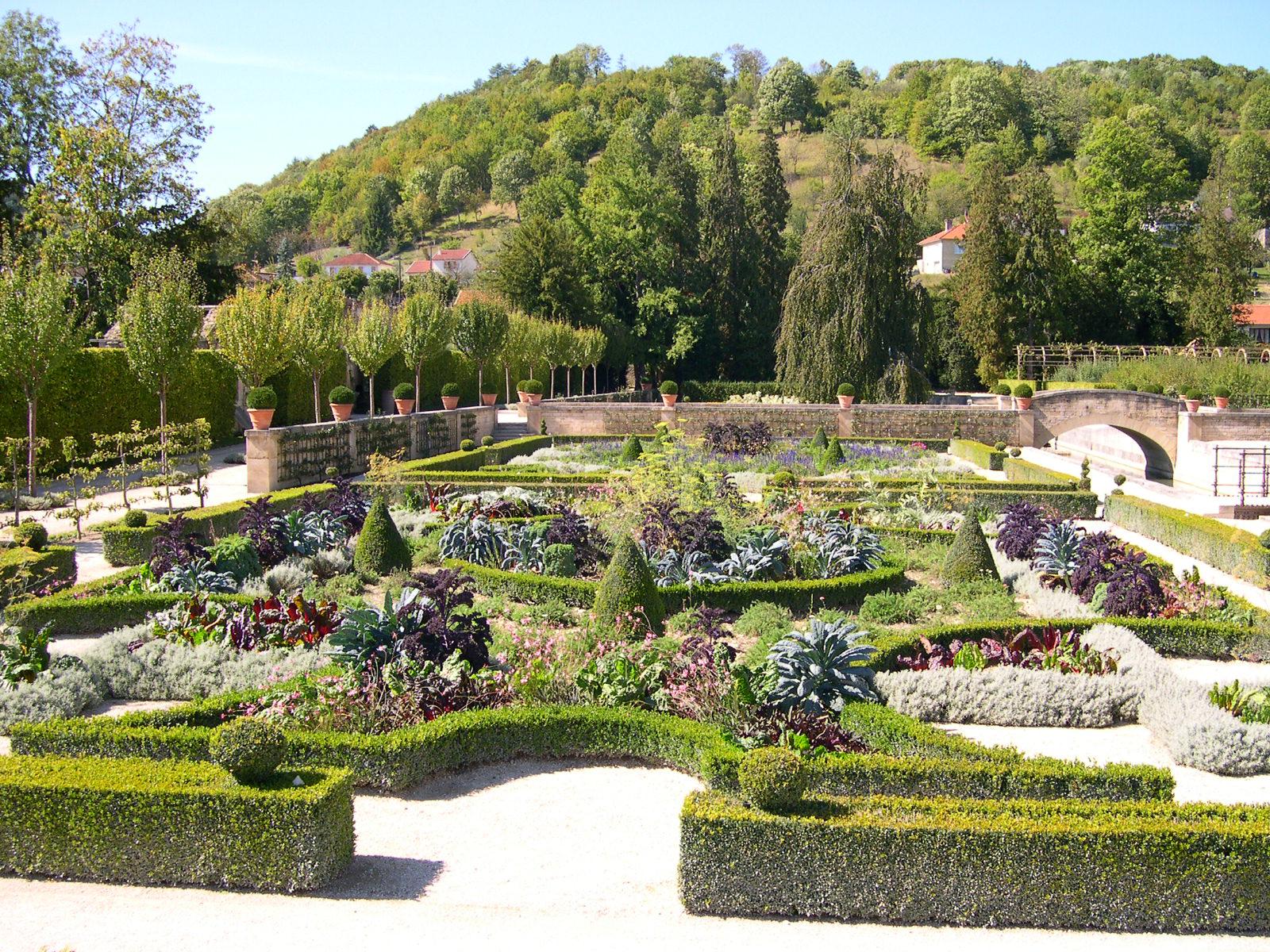 Joinville haute marne for Jardin grande