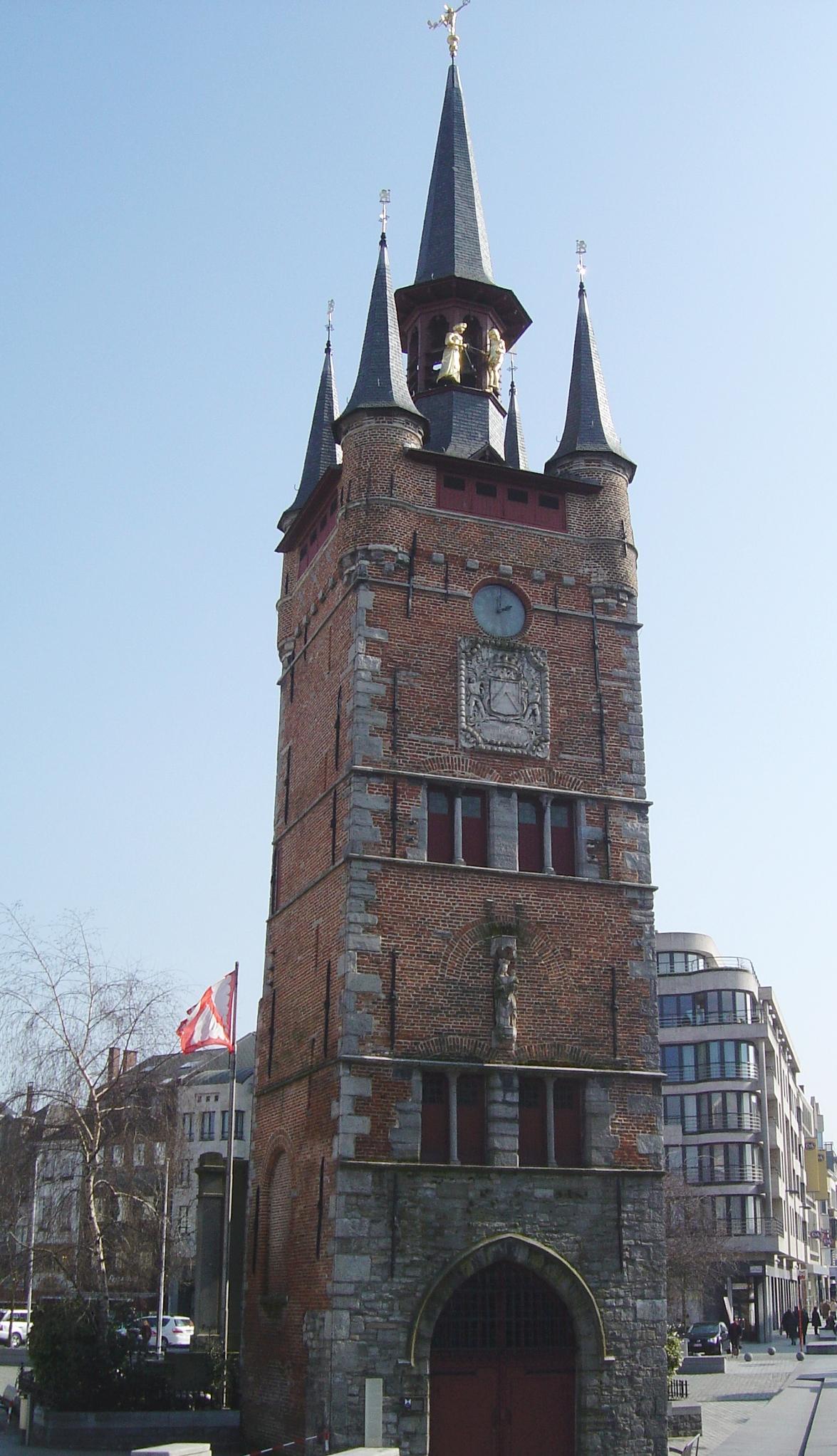 Beffrois de belgique et de france for Courtrai belgium