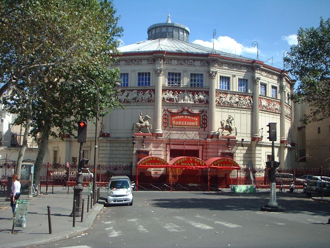http://fr.academic.ru/pictures/frwiki/76/Le_cirque_d%27hiver_Paris_01.jpg