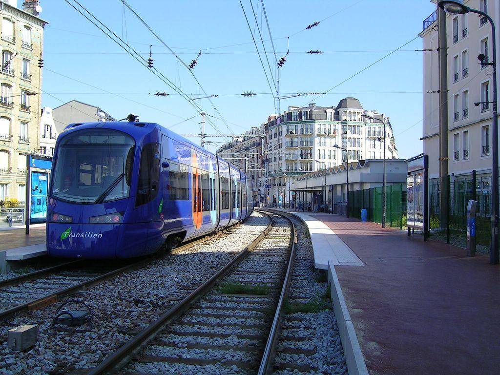 Ligne 4 du tramway d 39 ile de france - Piscine de livry gargan ...