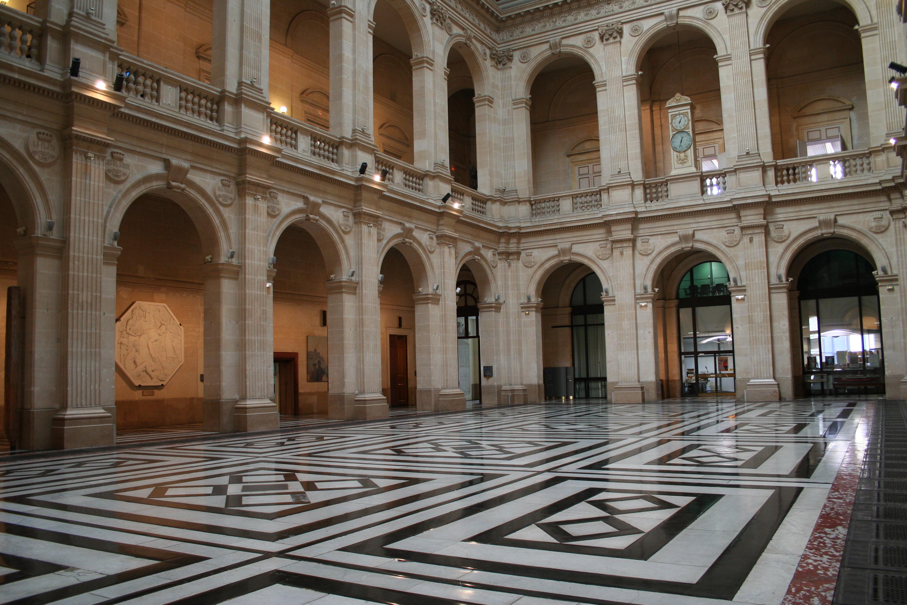 Grand Foyer Palais De La Bourse : Palais de la bourse marseille