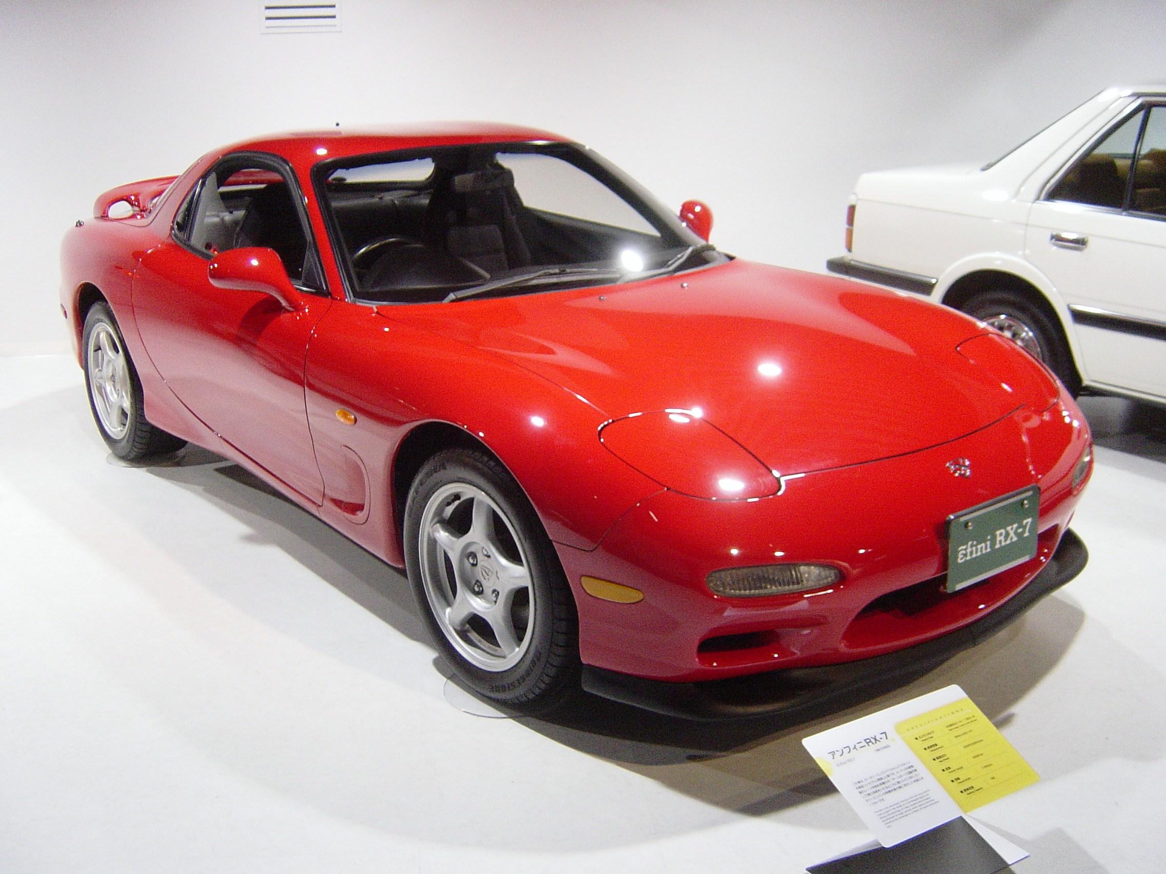 [Image: Mazda-rx7-3rd-generation01.jpg]