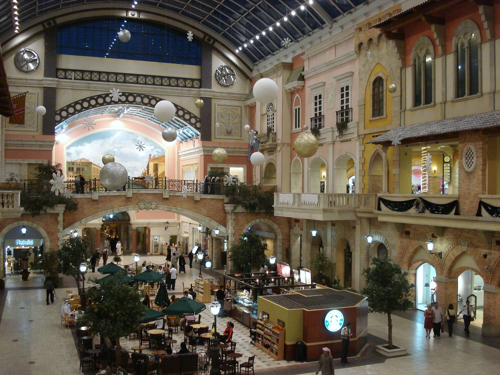 Les plus grands centre commerciaux (Mall ; Market ; Magasin) Mercato_mall_interior_-_dubai