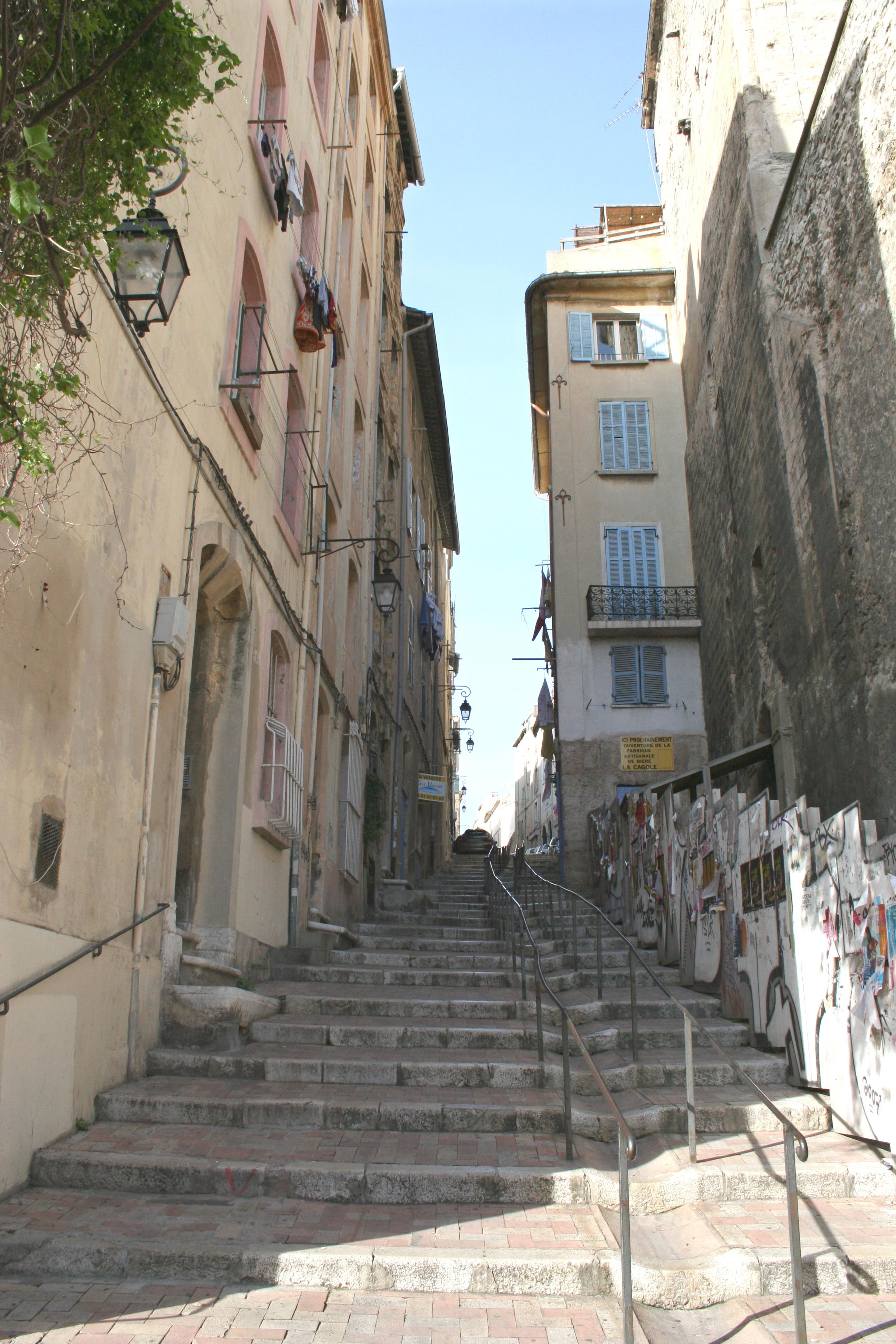 Mont e des accoules - La montee des escaliers ...