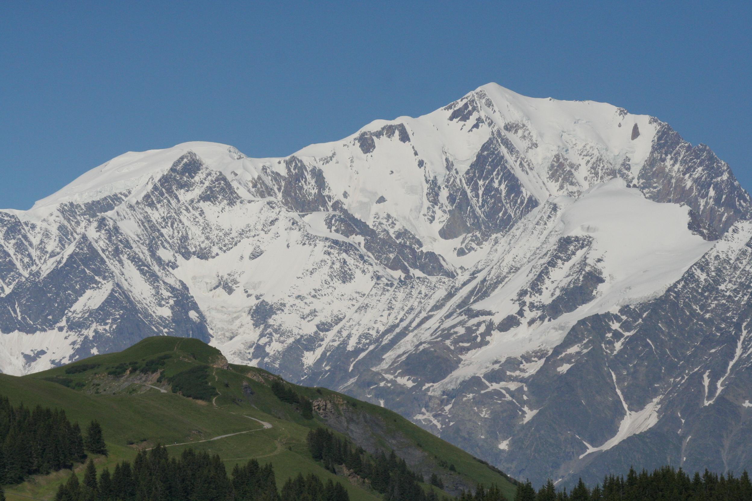 Du mont blanc 28 images massif du mont blanc enjoy for Carrelage mont blanc sallanches
