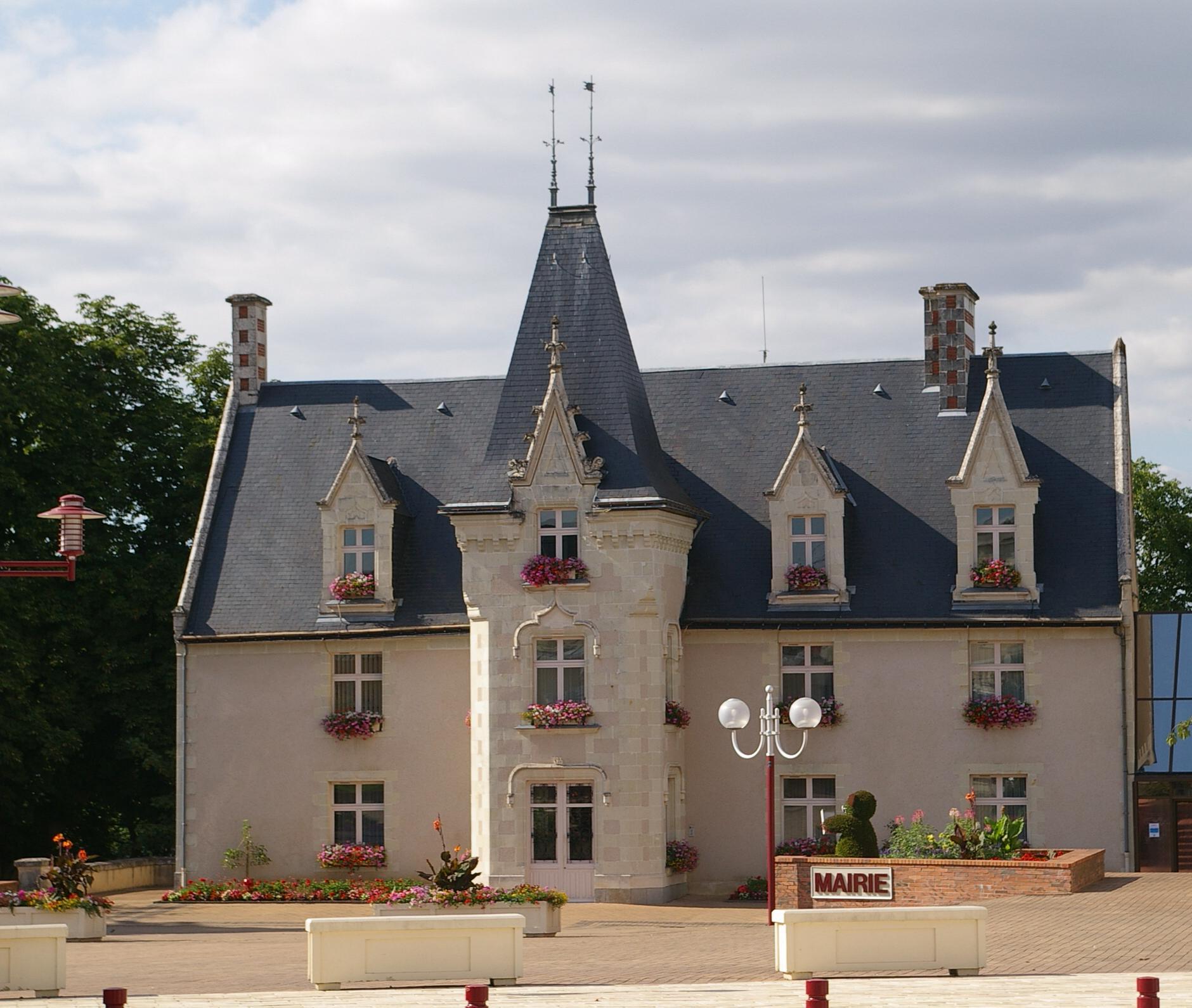 Era Mairie De Montreuil Montreuil: Montreuil-Juigné