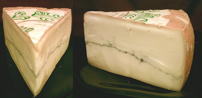 Le fromage Morbier_cheese_two_views