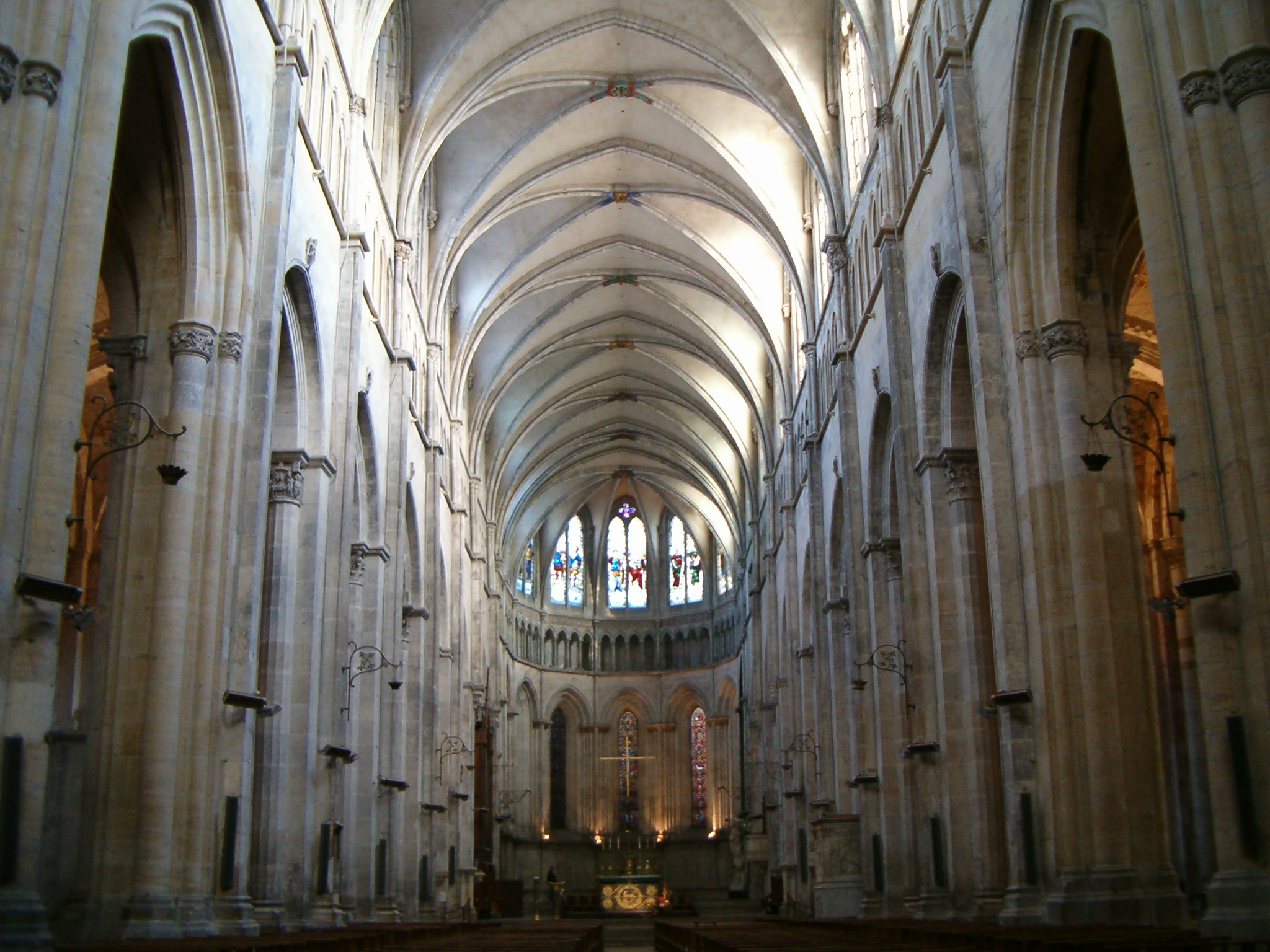 Cath drale saint maurice de vienne for Interieur france