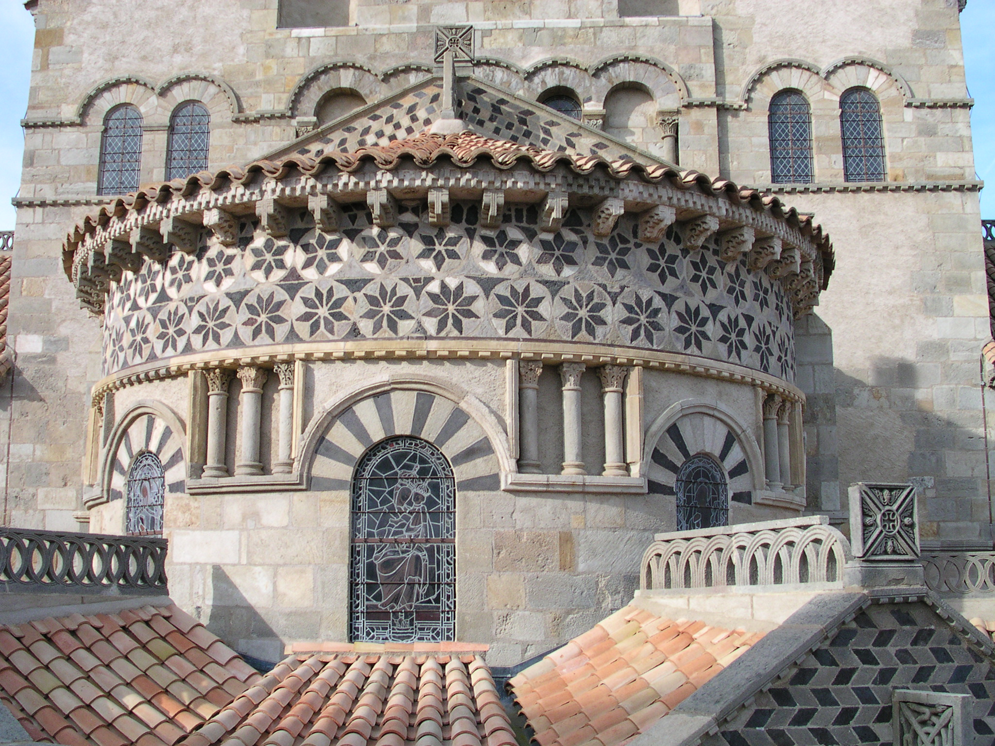 Pierre de volvic - Bassin pierre reconstituee clermont ferrand ...