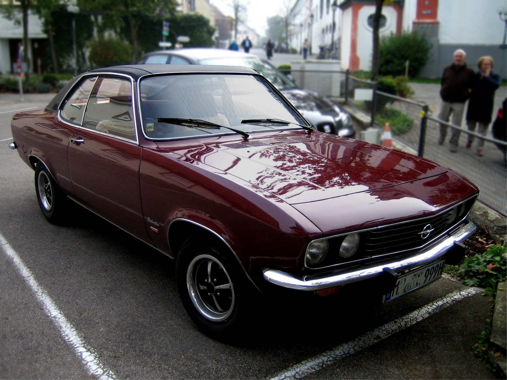 Opel Commodore A :