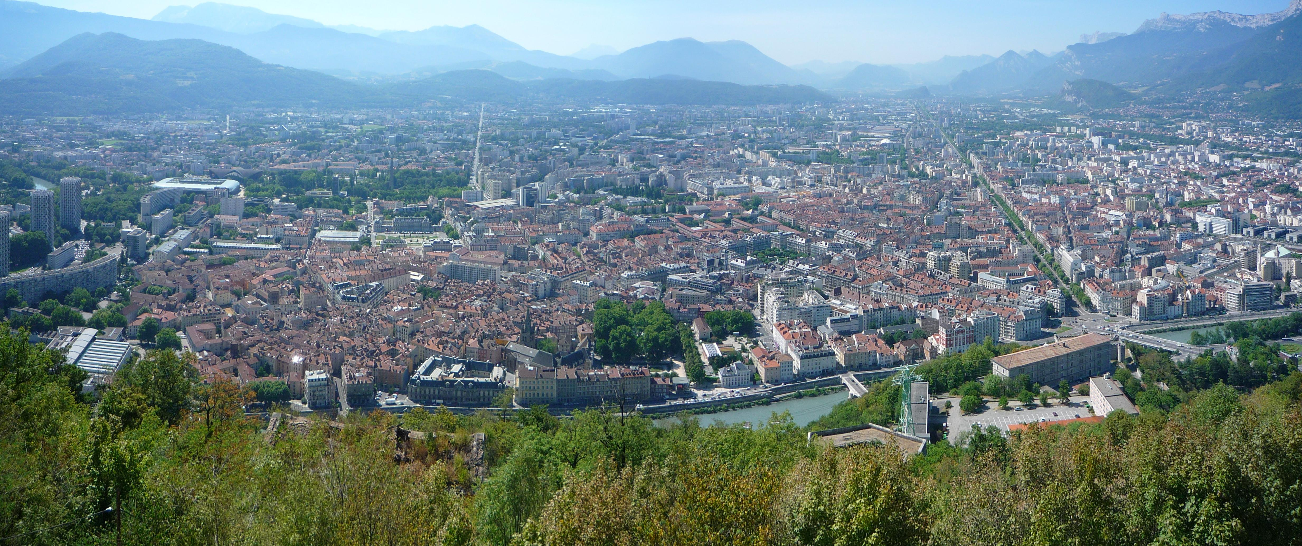 http://fr.academic.ru/pictures/frwiki/80/Pano_Grenoble.JPG