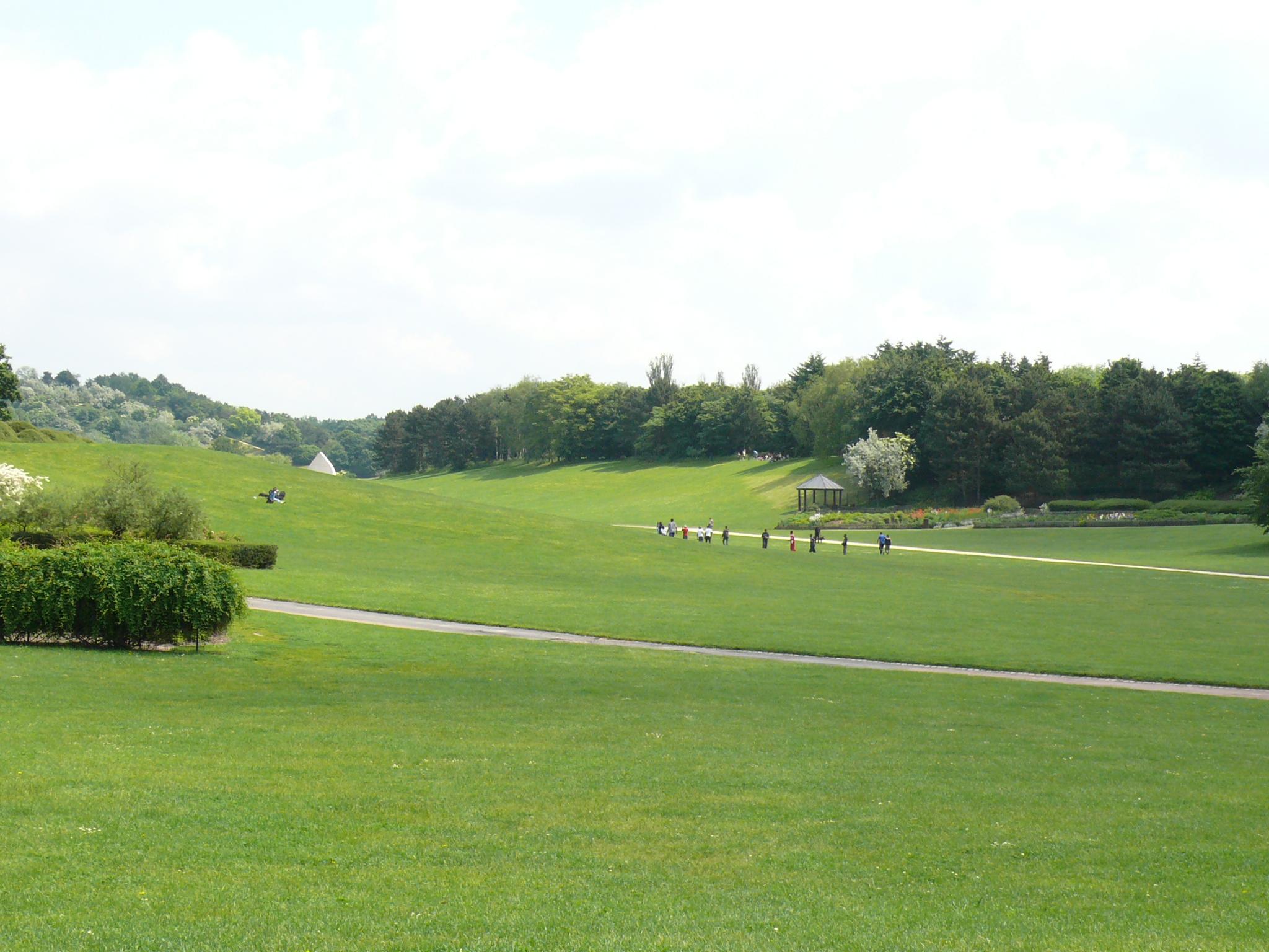 Parc de la courneuve for Tarif horaire entretien espace vert