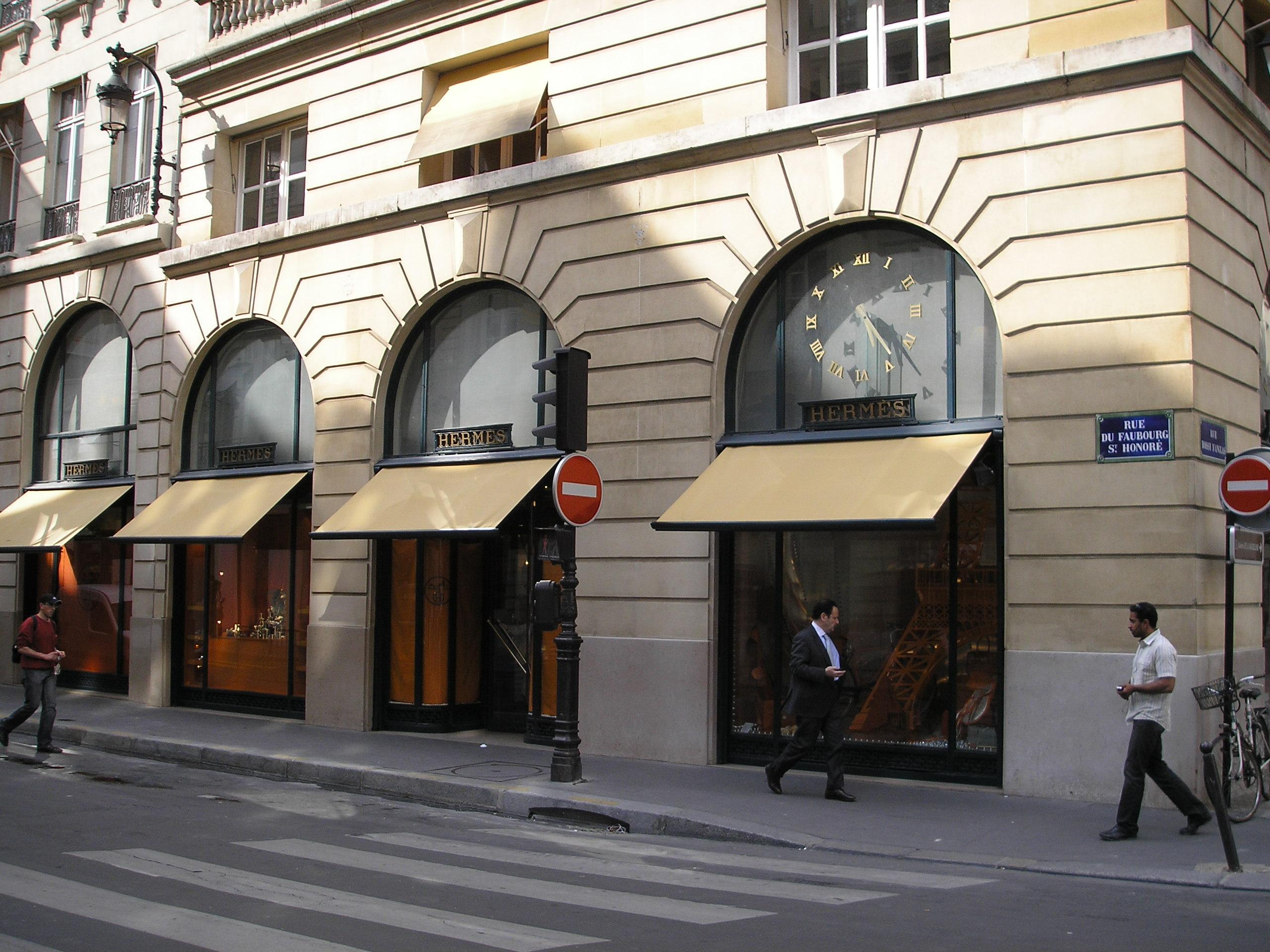 rue du faubourg saint honor. Black Bedroom Furniture Sets. Home Design Ideas